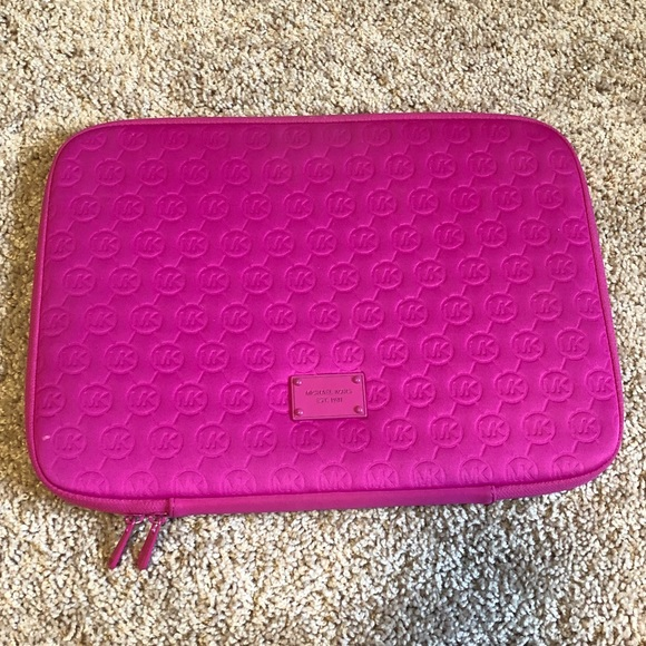 5f099d79db5f4 Michael Kors Pink Laptop Case. M 5aa6908ea4c485f030c15420. Other Accessories  ...